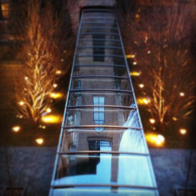 gard_walkway.jpg