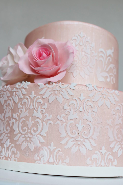 Edle Hochzeitstorte oder Geburtstagstorte — Barbara Aletter ...
