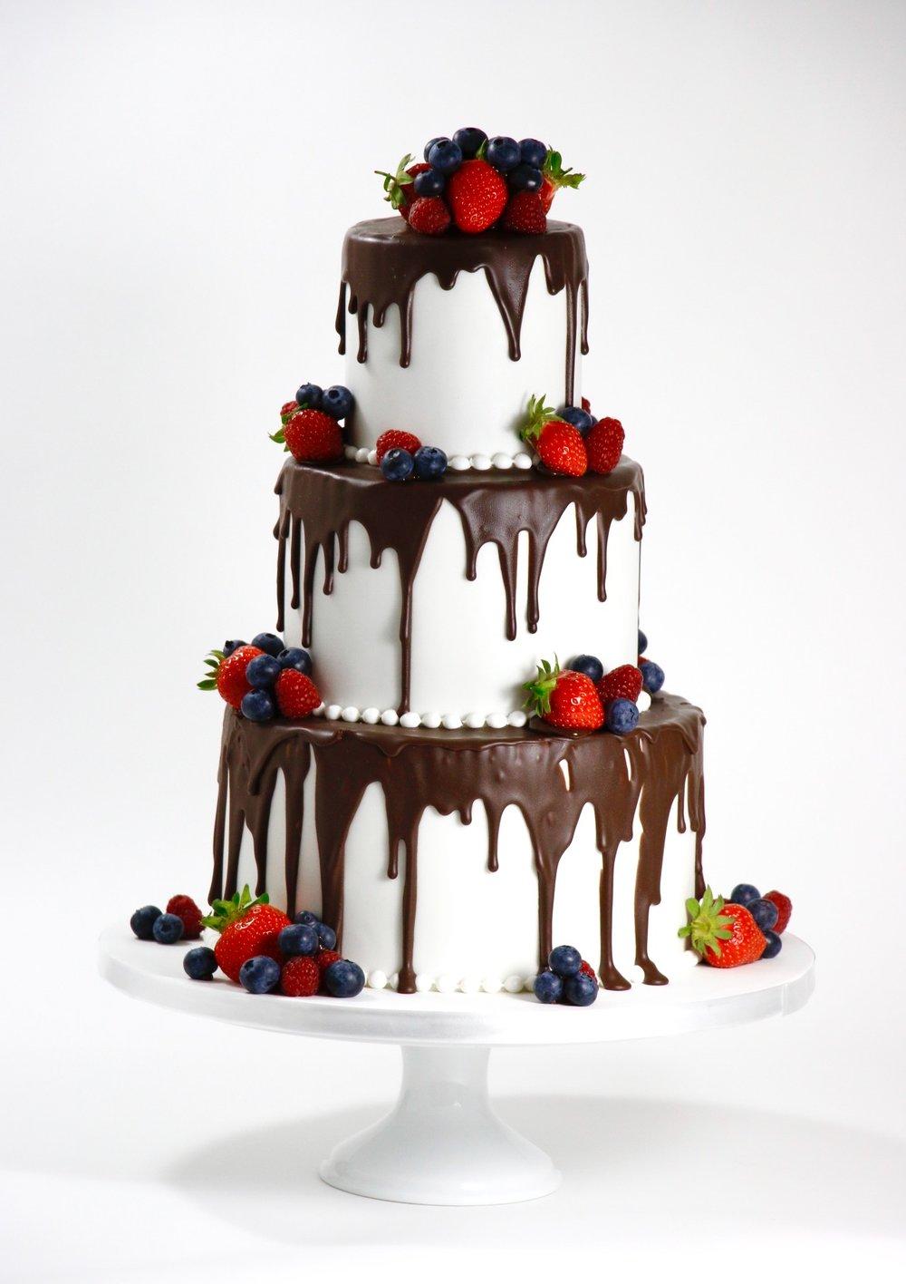 Drip Cake Mit Fruchten Barbara Aletter Patisserie