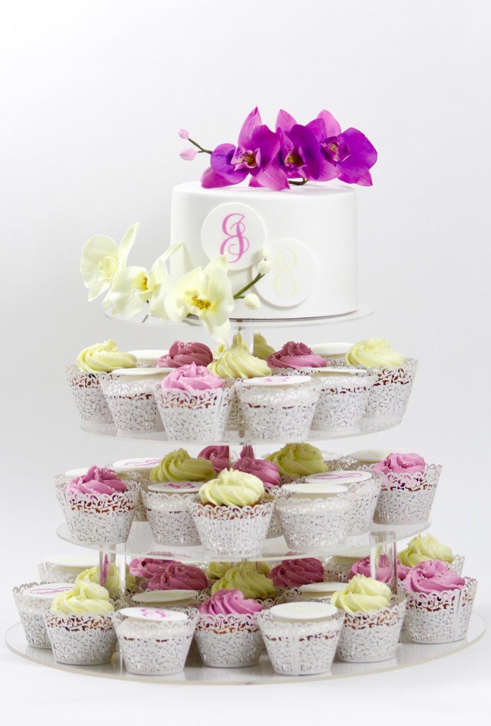 Hochzeitstorte Mit Cupcakes Barbara Aletter Patisserie