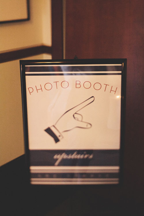 photoboothsign.jpg