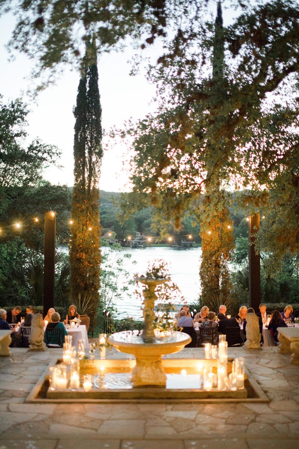 LAGUNA-GLORIA-WEDDING-AUSTIN-MATTHEW-MOORE-PHOTOGRAPHY-00460.jpg