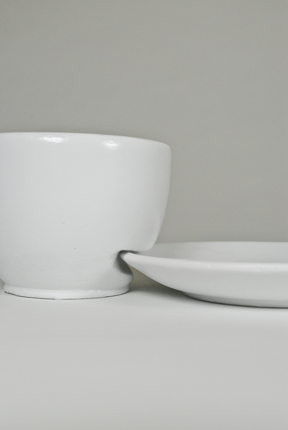 The bowl received the same treatment as the plates.