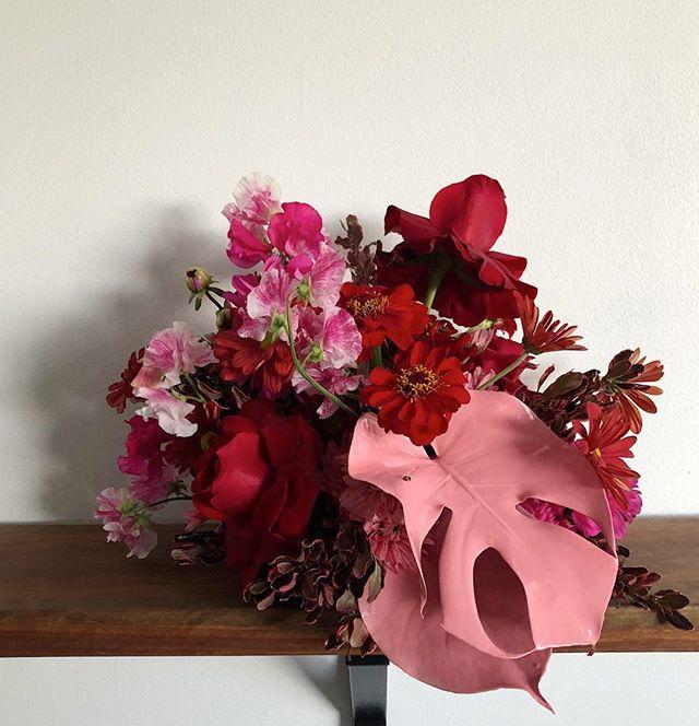 Oh George | a modern twist on a beautiful tradition 🥀 for Angela  #waitingforgeorge #flora #florist #sydneyflorist #prettyinpink #moderntradition