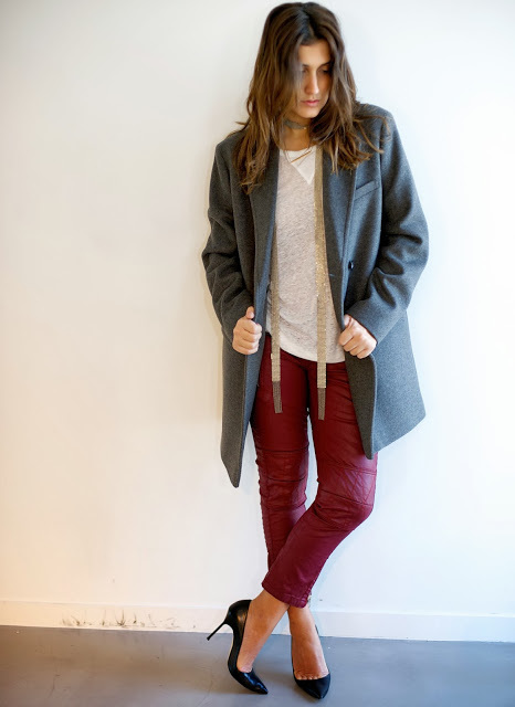Wherecanfindthe  Top,coat,pants,necklace