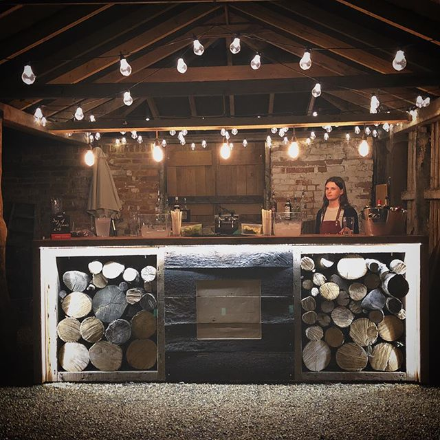 The new outside bar @thetudorbarn looking on point for warm summer evenings.. #summerwedding #suffolkwedding #essexwedding #rockmywedding