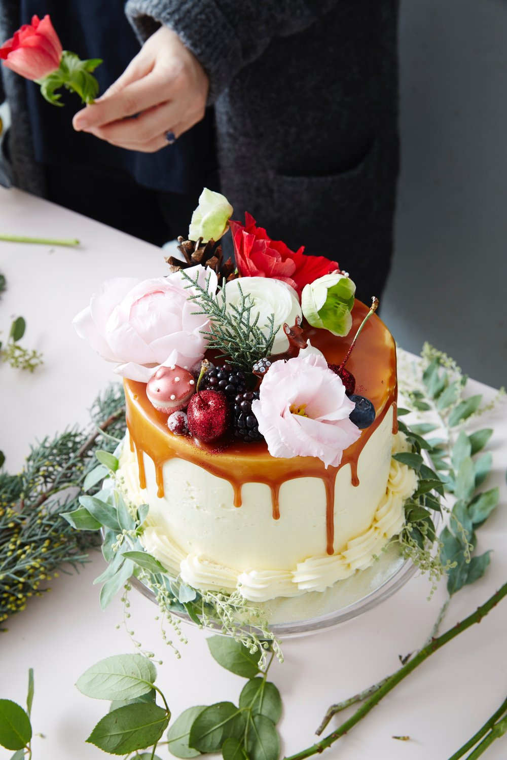festive decorating cake