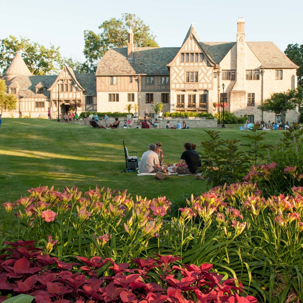Illinois_Shakespeare_Festival_Ewing_Manor.jpg