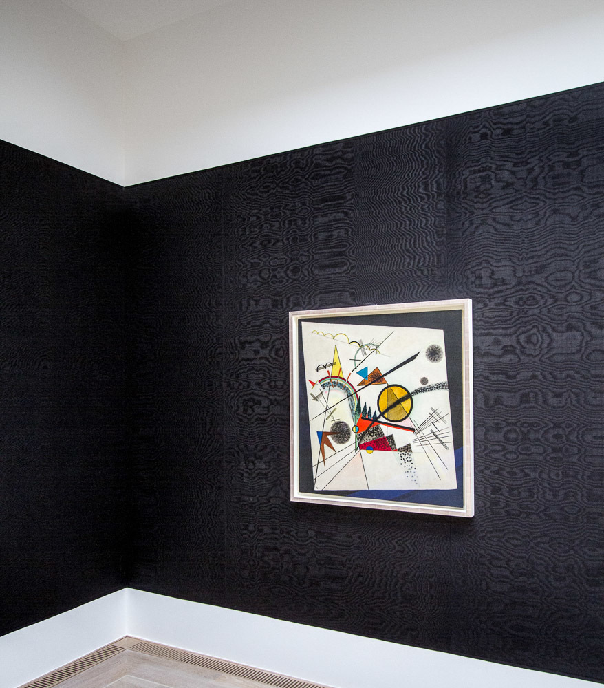 W. Kandinsky In the Black Square (Im schwarzen Viereck), June 1923. Oil on canvas, 38 3/8 × 36 3/4 inches (97.5 × 93.3 cm). In the Lenbachhaus extension, Munich, by Foster and Partners. I liked very much the walls covered with coloured textiles, reminded me of the National Gallery in London.