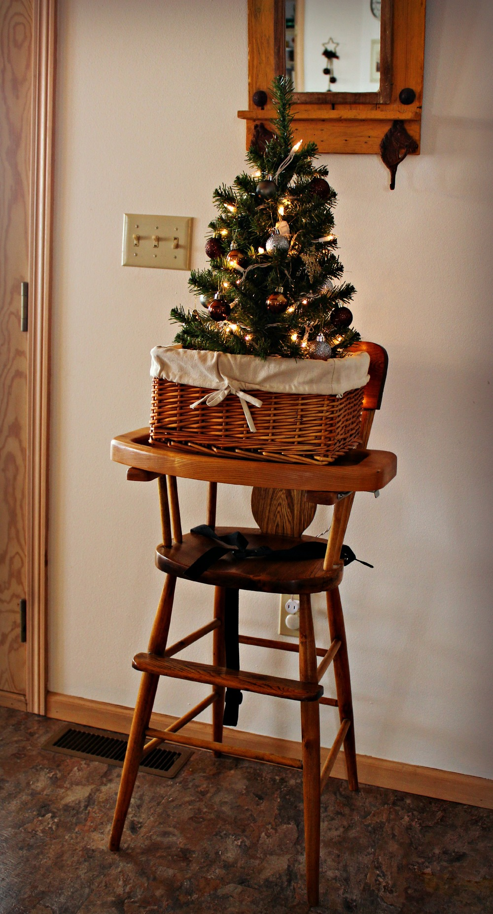 I love little trees in baskets!
