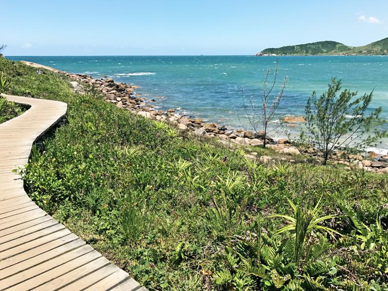 Um guia para viver o melhor da Praia do Rosa, em Santa Catarina - www.maladeaventuras.com