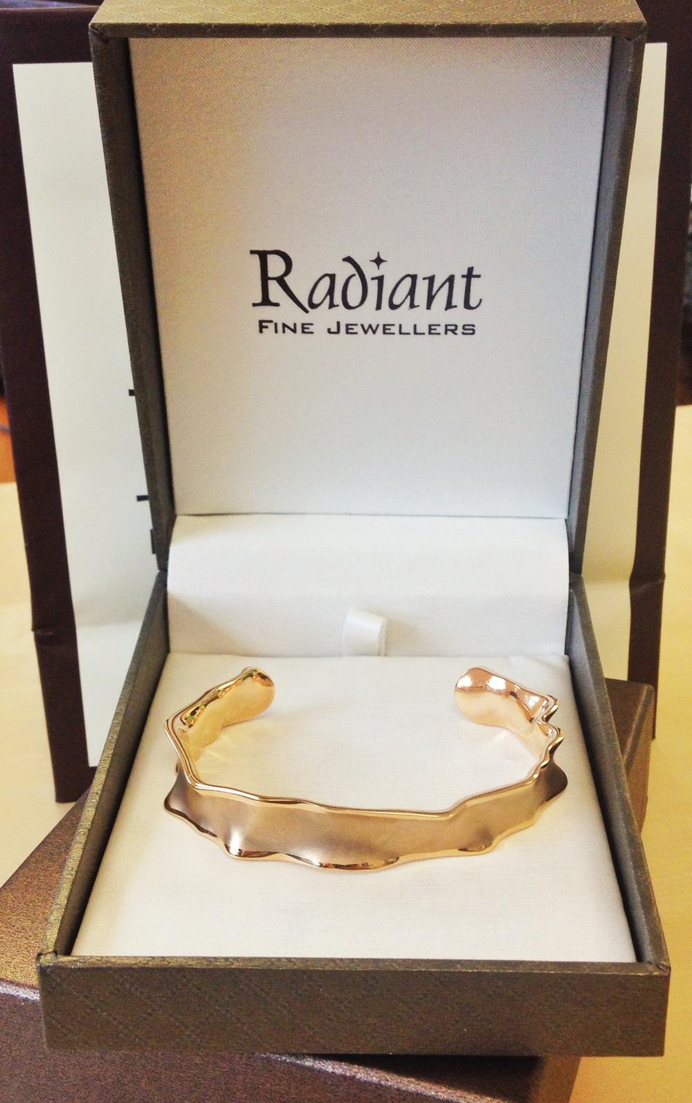 www.   radiantfinejewellers   .com   Radiant Fine Jewellers Charles Garnier silver/gold plated bangle bracelet $315 value