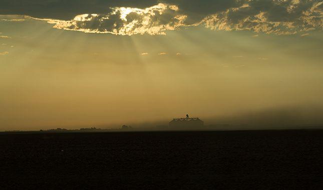 dust and sun rays.jpg