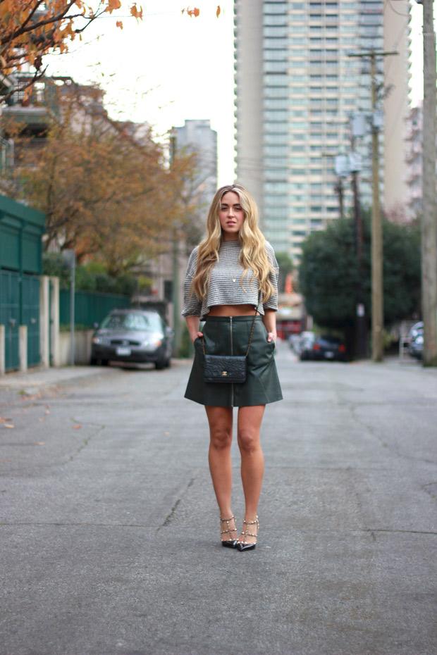 201114_miniskirt_1.jpg