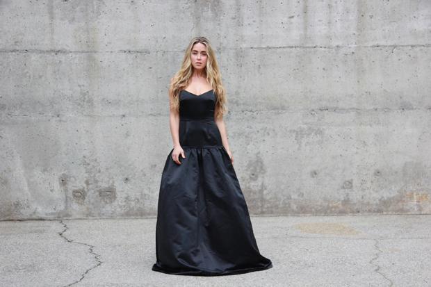 26215_black_gown_4.jpg