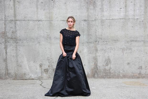 26215_black_gown_1.jpg