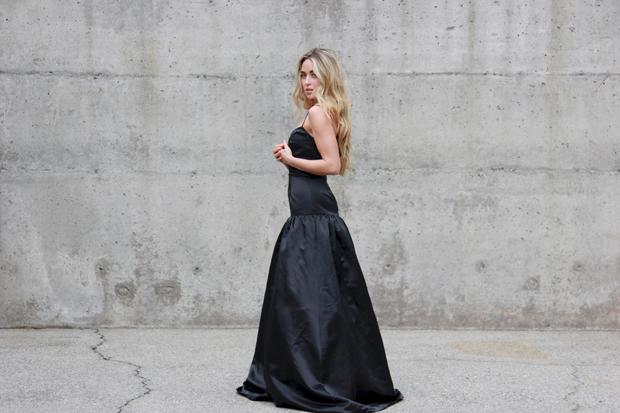 26215_black_gown_9.jpg