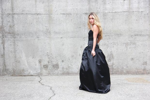 26215_black_gown_10.jpg