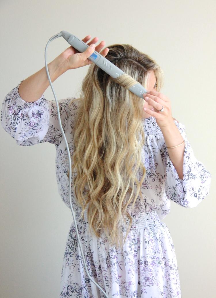 A Fashion Love Affair Wavy Hair Tutorial With Flat Iron