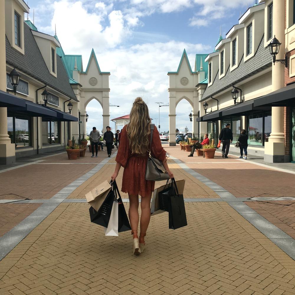 Zimmermann Dress, Paige Jacket, Céline Bag & Shades, Chloé Heels,
