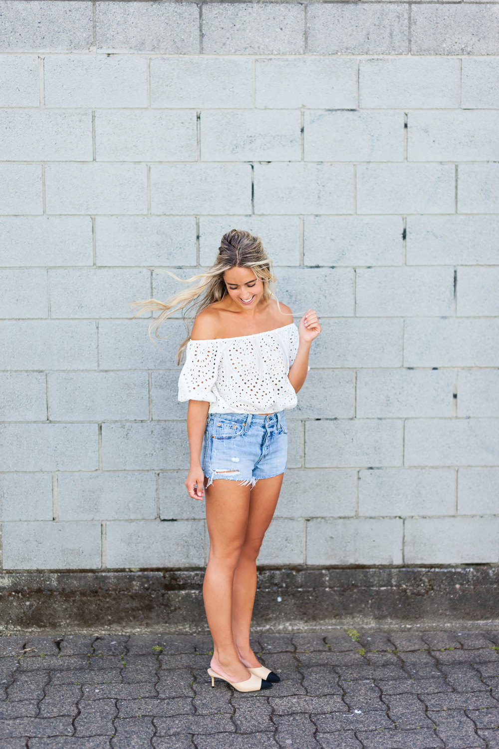 Photos Allison Kuhl Zara Top, Levi's Shorts, Chanel Shoes