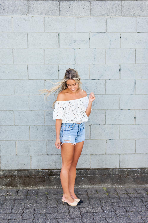 Photos Allison Kuhl Zara Top, Levi's Shorts, Chanel Shoes