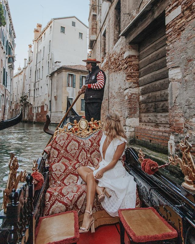 Venice ♡ #CaraJourdanTravel photo by @paigeowenphoto