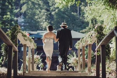 romantic-wedding-12-of-the-flowers.jpg