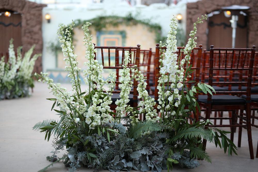 winter-wedding-of-the-flowers-14.jpg
