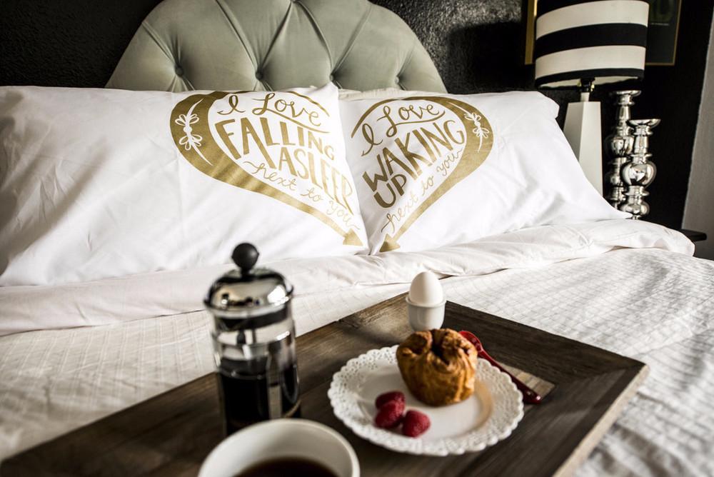 Good Morning & Good Night pillowcases - Gold