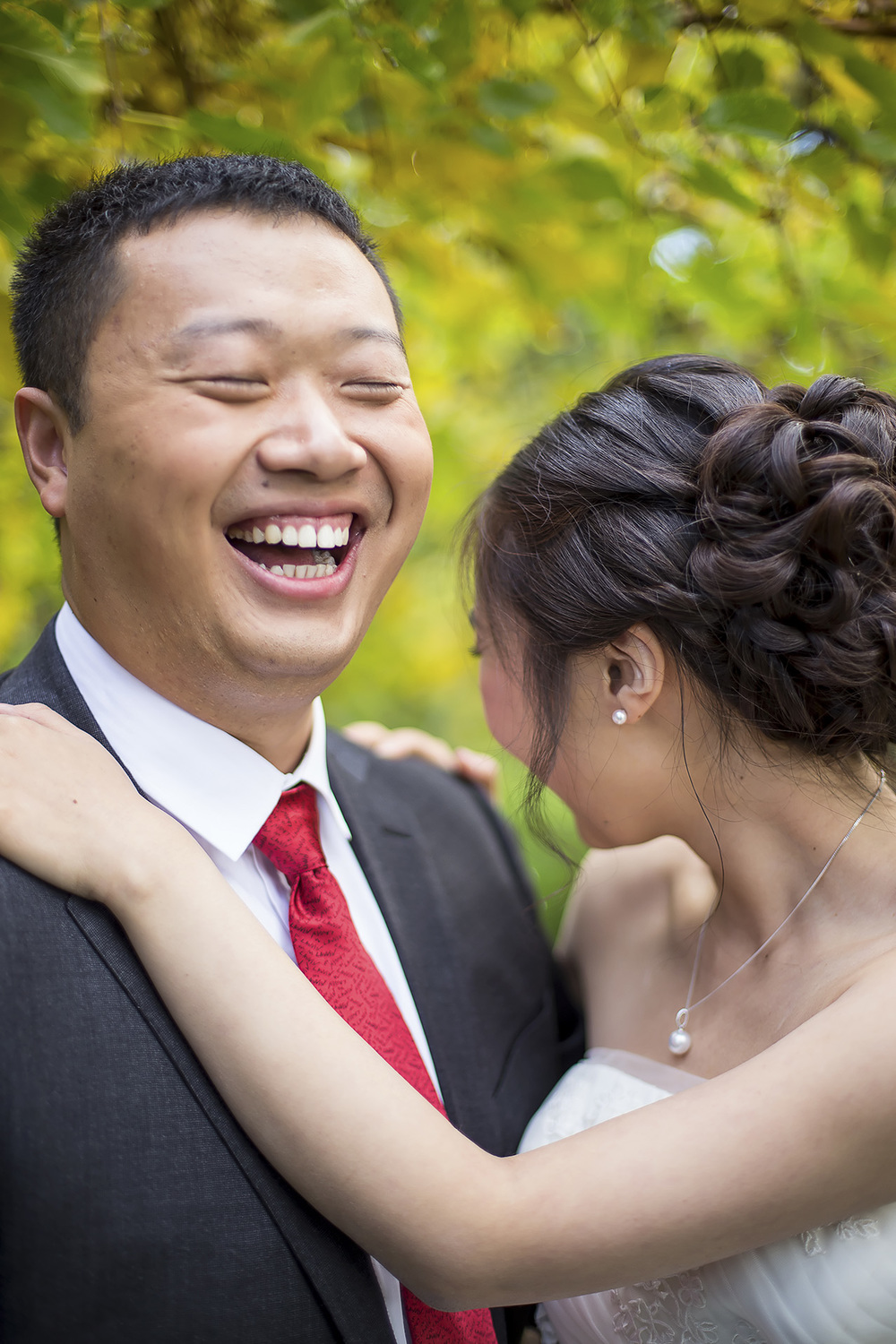 Wedding Photography Adelaide Japanese Himeji Gardens laughing 1