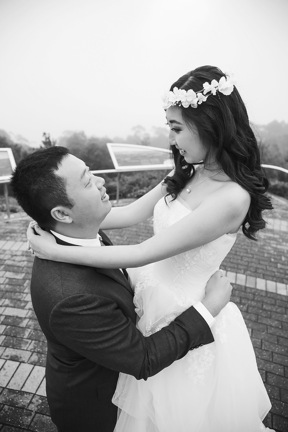 Artistic Black and White Wedding Photo 2