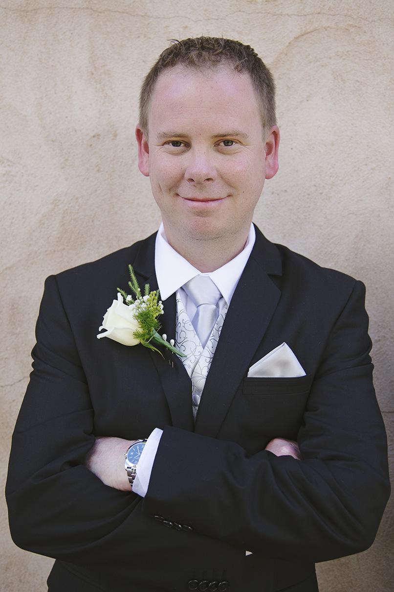Groom Preparation Wedding Photo 007