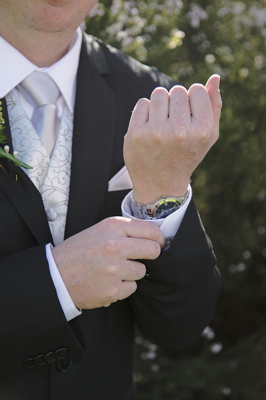 Groom Preparation Wedding Photo 012