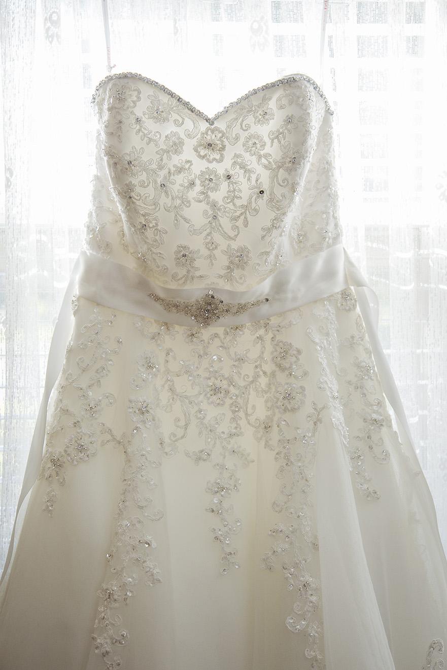 Bride Preparation Wedding Photo 002