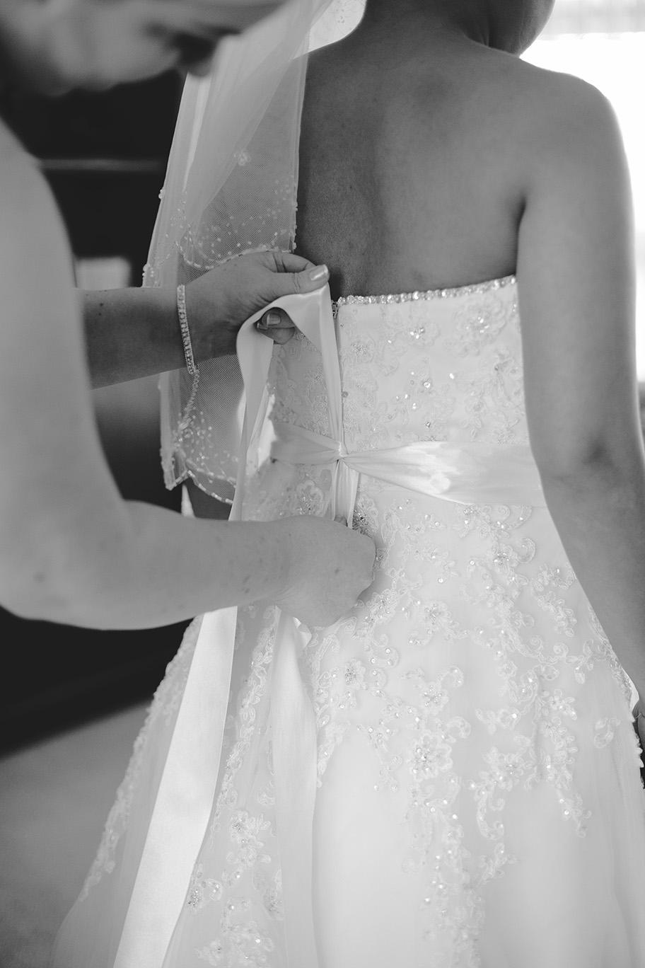 Bride Preparation Wedding Photo 007