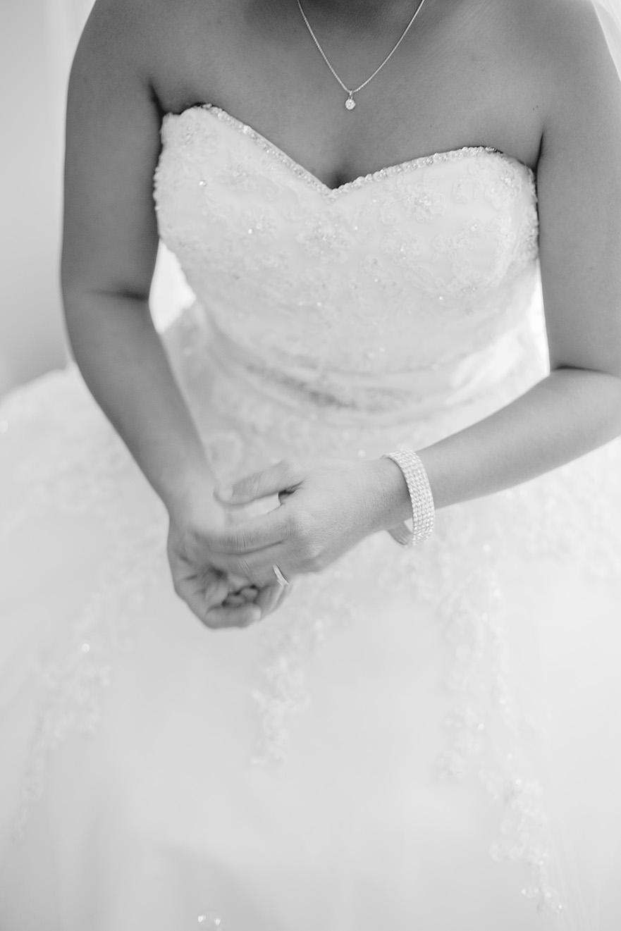 Bride Preparation Wedding Photo 008