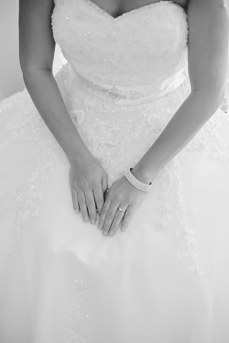 Bride Preparation Wedding Photo 009