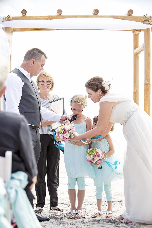 Adelaide Beach Wedding 016.jpg