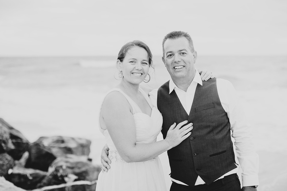 Sunset Beach Wedding 027BW.jpg