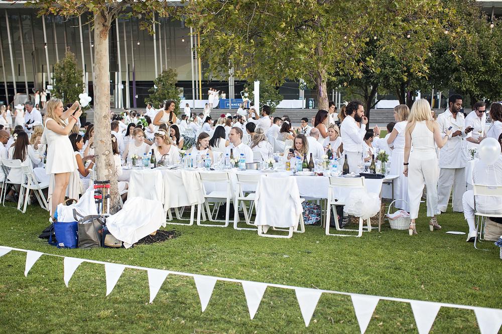 Diner En Blanc - Melbourne Thirtieth Photography 020.jpg