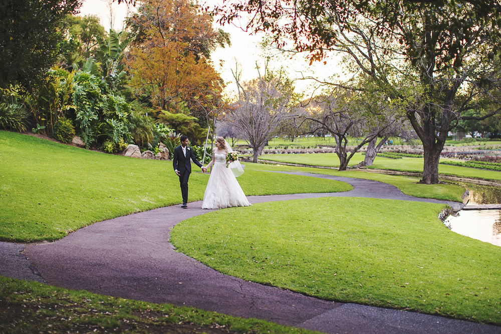 Warm Adelaide Wedding 40.jpg