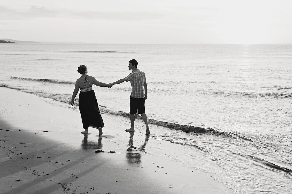 Cute and Fun Beach Engagement Portraits 017.jpg