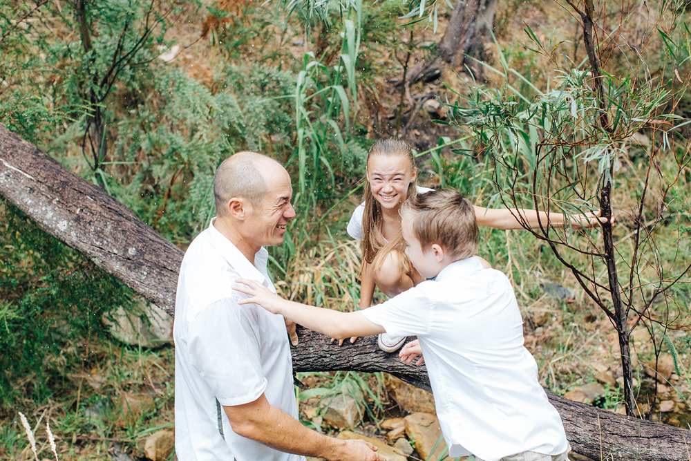 Fun Family Portraits Waterfall Gully 08.jpg