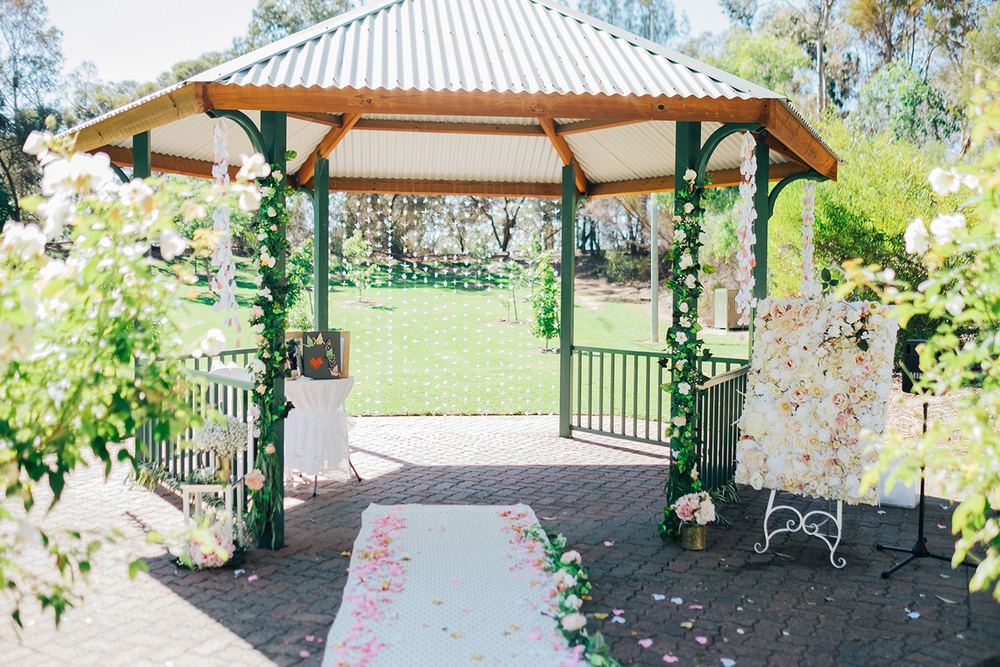 Garden Picnic Wedding 36.jpg