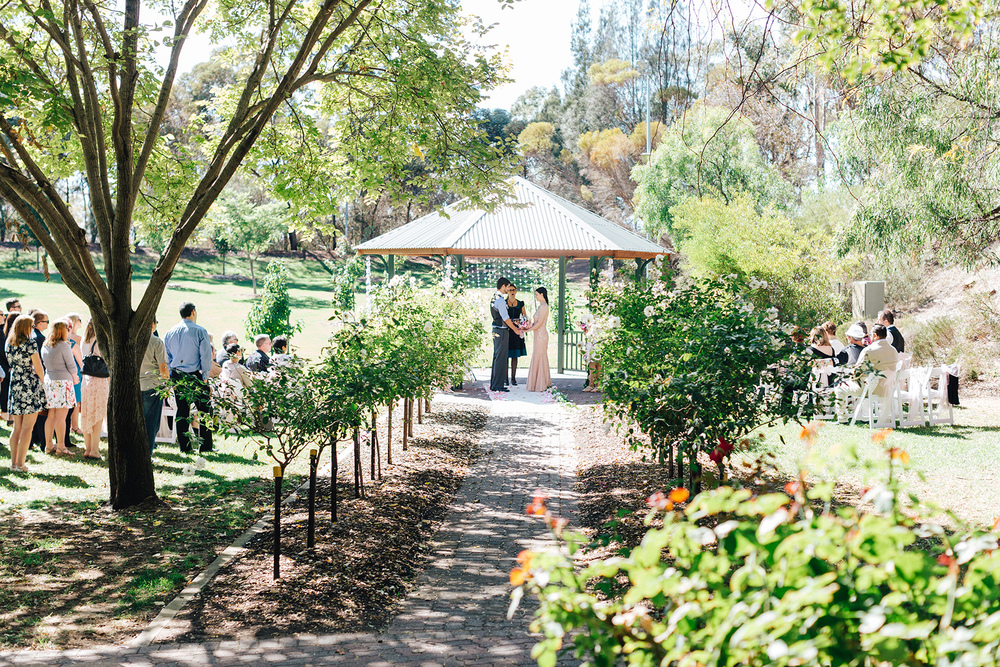 Garden Picnic Wedding 47.jpg