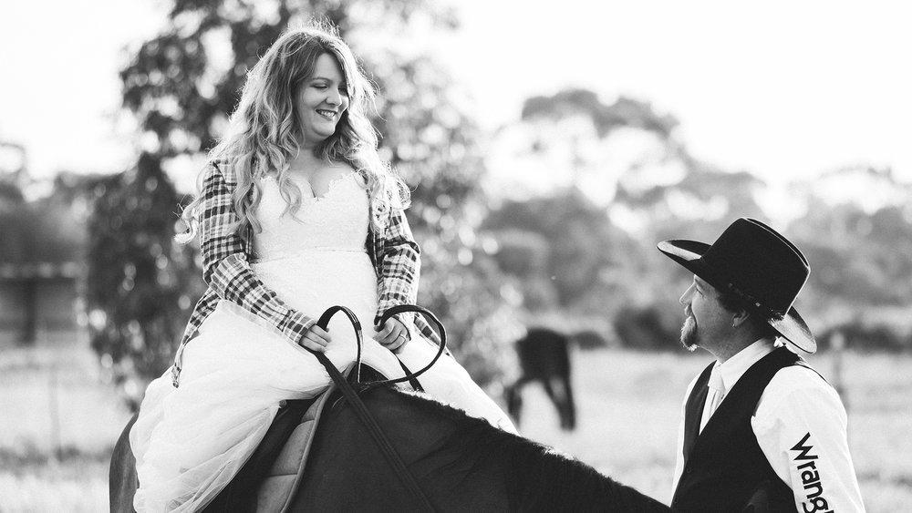 Bridal Portraits Horses 012.jpg