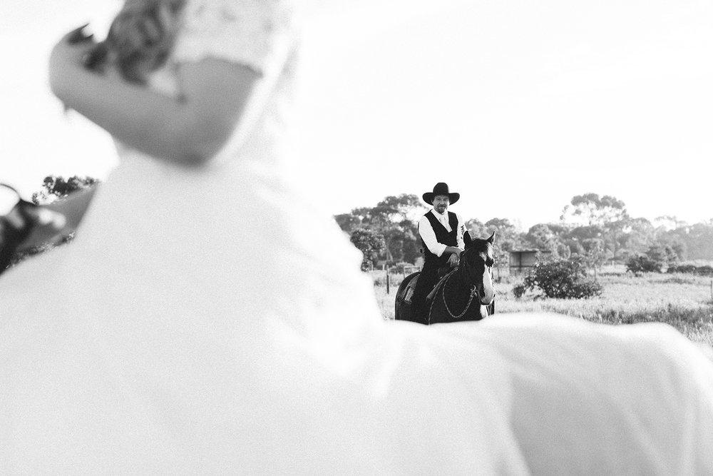 Bridal Portraits Horses 017.jpg