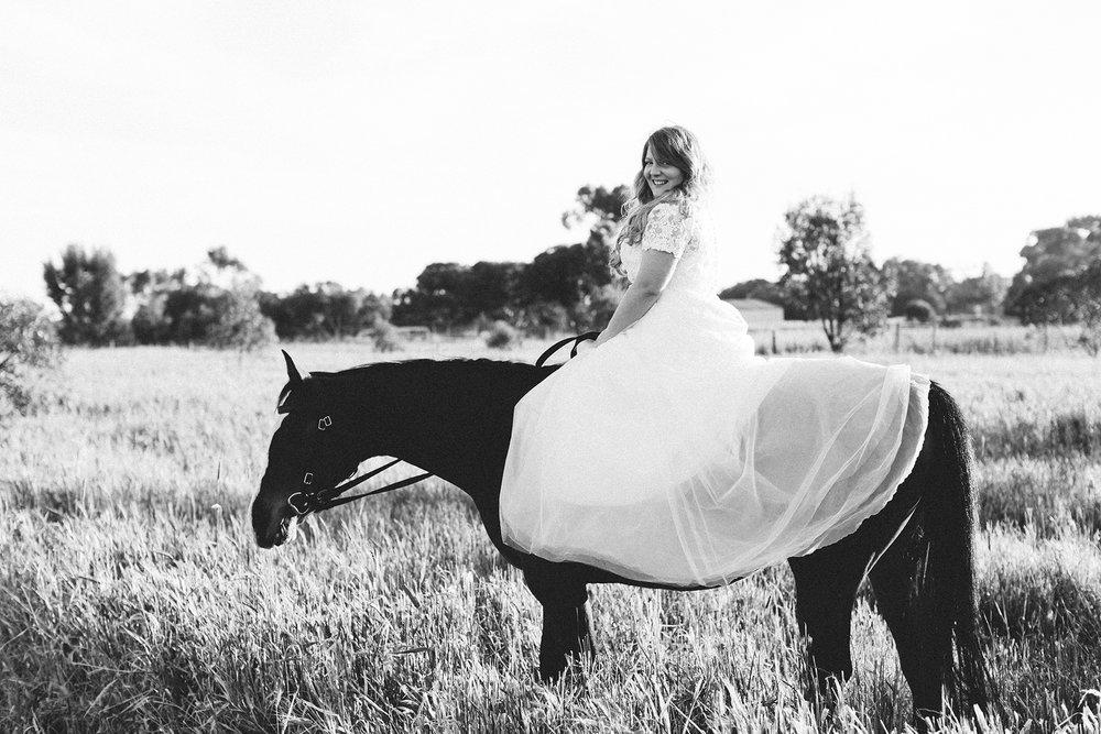 Bridal Portraits Horses 018.jpg
