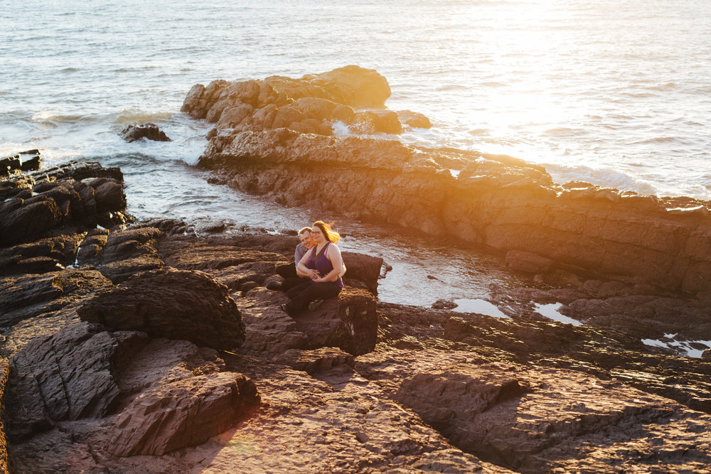 warm-sunset-engagement-session-05.jpg